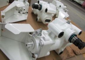 Steering gear assemblies